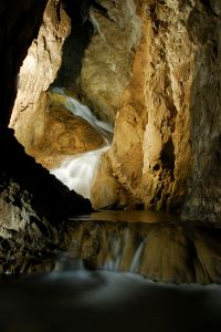 1185312_ghost_cave_